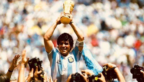 Photo of Legenda Sepak Bola Argentina Diego Maradona Meninggal Dunia